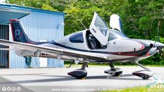 Airplane For Sale - 2017 Cirrus Turbo Home Painting Outside, Cirrus Sr22, Airplane For Sale, Engine Pistons, Tubeless Tyre, Roll Cage, Flight Deck, Private Jet, Aircraft