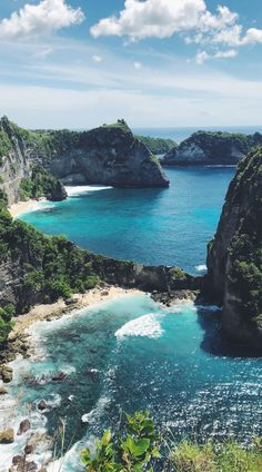 How to get From Nusa Penida To Gili Islands? This is everything you need to travel to the Gili islands. Bangkok Travel, Thailand Travel, Dream Vacations, Vacation Spots, Gili Island, Beautiful Places To Travel, Travel Aesthetic, Adventure Travel, Travel Destinations