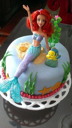 Little mermaide cake