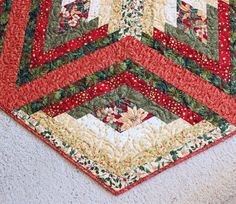 One Of A Kind Large Dramatic Diamond Log Cabin Christmas Tree Skirt Quilt This