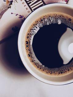 Coffee Cafe, Coffee Drinks, Sweet Factory, Discount Coffee, Coffee Photos, Great Coffee, Chocolate, Morning Coffee, Latte