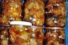 Вкусная закуска из баклажан на зиму Ингредиенты:-Баклажаны - 2.5 килограмм;-Морковь большая - 1 штука;-Горький красный перец - 2 штуки;-Укроп измельченный - 100 грамм;-Чеснок мелко порезанный - 3 голо…