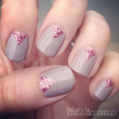 Add a touch of Great Gatsby glamour to your Art Deco wedding with these glitter detail designs.