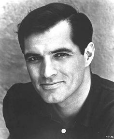 One of our favorites: the heart-stoppingly handsome John Gavin . Hollywood Men, Hooray For Hollywood, Old Hollywood Glamour, Vintage Hollywood, Classic Hollywood, Most Beautiful Man, Gorgeous Men, Beautiful People, John Gavin