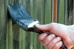 Learn how to paint a garden fence the right way with the step-by-step instructions and tips in this practical diy painting and decorating guide.