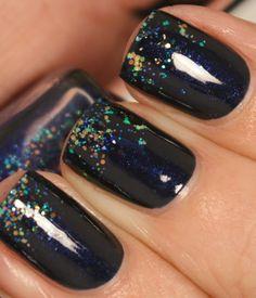 grape fizz nails: Cute Blog Award, and a blue glitter gradient
