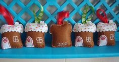 Merry making: felt ornaments & tree skirt tutorials