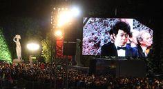 Trotz bitterer Kälte eine tolle Stimmung: Via Video-Walls konnte man die Musiker wie etwa Starpianisten Lang Lang hautnah erleben Klassik für alle in Schönbrunn und im Fernsehen – die Philharmoniker können sich freuen.