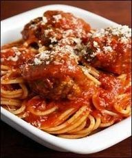 Pasta with Bolognese Sauce. Pasta with Bolognese Sauce Cacciatore Recipes, Plats Weight Watchers, Weight Watchers Meals, Sauce Recipes, Pasta Recipes, Cooking Recipes, Cooking Tips, Gastronomia, Italian Foods