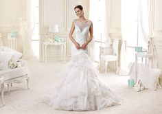 #Nicole #2015Collection  #wedding dress #nicolespose ► http://www.nicolespose.it/it/abito-da-sposa-Nicole--NIAB15101IV-2015?utm_source=socialutm_medium=postutm_term=NIAB15101IVutm_content=collezione2015utm_campaign=nicole