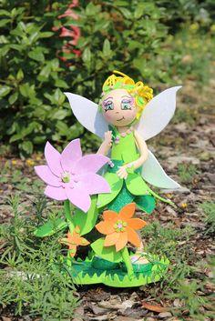 Meine kleine süße Elfe auf Ihrem Ausflug in den Klex Garten