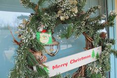 Christmas wreath welcome home tour Petticoat Junktion