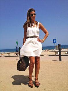 MisstrendyBarcelona Outfit  white dress vestido blanco  Verano 2012. Combinar Vestido Blanco Primark, Cómo vestirse y combinar según MisstrendyBarcelona el 11-7-2012