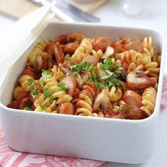 Sausage goulash with noodles - Nudeln Rezept - Wurst Goulash, Weigt Watchers, Bratwurst, Chop Suey, Healthy Diet Plans, Nutrition Program, Meatloaf Recipes, Chapati, Group Meals