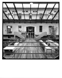 AGUIIRE NEWMAN Headquarters, Madrid. © Ana Muller, fotográfo. allende arquitectos 1999-2002 Open House Madrid, Basketball Court, Architects