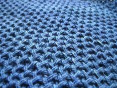 Fleegle's lovely tutorial for knitting Circular Honeycomb Brioche Stitch Knitting Help, Double Knitting, Loom Knitting, Knitting Stitches, Knitting Patterns, Lovely Tutorials, Honeycomb Stitch, Wool Fabric, Yarn Crafts