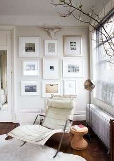 I like the style of this picture wall