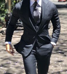 Mens Fashion Suits, Mens Suits, Men's Fashion, Grey Suits, Collared Shirt Outfits, Gq Mens Style, Man Style, 3 Piece Suits, Suit And Tie