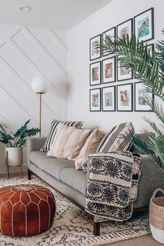 Get inspired by Bohemian Living Room Design photo by Joss & Main. Wayfair lets you find the designer products in the photo and get ideas from thousands of other Bohemian Living Room Design photos. Home Decor Styles, Cheap Home Decor, Deco Studio, Boho Living Room, Bohemian Living, Living Room Lamps, Living Room Decor Simple, Living Room Accents, Eclectic Living Room
