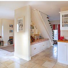 Idee wohnung einrichten dachschraegen kleinwohnung for Winzige wohnung einrichten