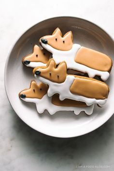 gingerbread corgi cookies - http://www.iamafoodblog.com #corgi #cookie #icing