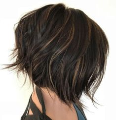 60 Messy Bob Hairstyles for Your Trendy Casual Looks Chopped Brunette Bob With Babylights Edgy Bob Haircuts, Messy Bob Hairstyles, Medium Hairstyles, Wedding Hairstyles, Casual Hairstyles, Bob Hairstyles Brunette, Brunette Bob Haircut, Layered Hairstyles, Headband Hairstyles
