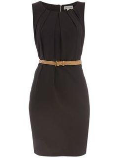 Black sleeveless pleat dress