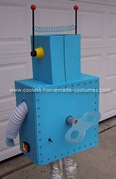 DIY wind up robot costume