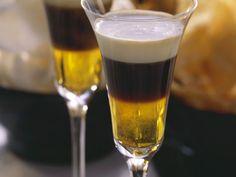 Heißer Shot mit Galliano ist ein Rezept mit frischen Zutaten aus der Kategorie Getränke. Probieren Sie dieses und weitere Rezepte von EAT SMARTER!