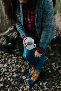 Hot coffee after a long walk in my LL Bean Prince Charles Edward Flannel & Boots [ad] Prince Charles, Charles Edward, Fall Winter Outfits, Autumn Winter Fashion, Scotch, Trekking Outfit, Outdoorsy Style, Preppy Style, My Style