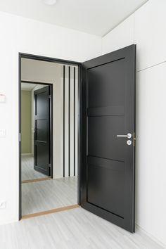 Massiviikehysovet Unique 505. Perusväri: musta. Avainlipputuote. Koti, Bedroom Doors, Home Reno, Custom Homes, Lockers, Locker Storage, Cabinet, Interior Design, Unique