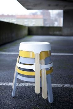 I like these simple stools