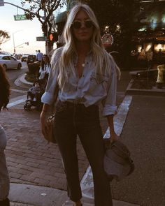Hair is still going strong by the earth angels and I believe it's been 5 days with this blowout… Doble Denim, Womens Fashion Casual Summer, Passion For Fashion, Spring Outfits, Autumn Fashion, Cute Outfits, Street Style, Fashion Outfits, My Style