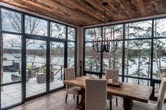 Contemporary Cabin Dining Room with Floor to Ceiling Windows, Contemporary, Dining Room Contemporary Cabin, Contemporary Interior Design, Interior Modern, Family Room Design, Dining Room Design, Rustic Lake Houses, Modern Lake House, Living Comedor, Floor To Ceiling Windows