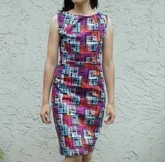La robe Pam, c'est une robe droite, ajustée et sans manche. Son patron est en téléchargement gratuit sur le blog de Daniela, On The Cutting Floor. Très simple, ce modèle est néanmoins très joli, avec son col évasé mais pas échancré.