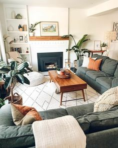 Boho Living Room, Cozy Living Rooms, Living Room Interior, Apartment Living, 2 Living Rooms In One Space, Living Room Decor Table, Decorating Living Rooms, Living Room Modern, Small Rooms