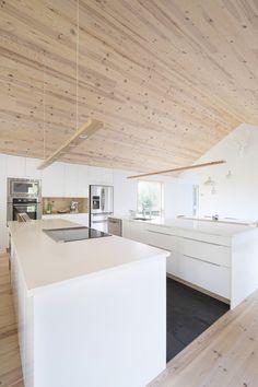 MAISON UNIFAMILIALE SAINT-SAUVEUR — DKA Architectes Garage Apartment Plans, Garage Apartments, Saint Sauveur, Forest House, New Home Designs, Pop Up Stores, House Plans, New Homes, Farmhouse
