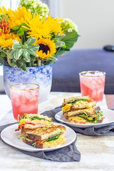 Scrambled Egg Grilled Cheese 3 Grilled Cheese Avocado, Grilled Cheese Recipes, Mashed Avocado, Grill Breakfast, Breakfast Sandwich Recipes, Best Scrambled Eggs, Egg Grill, Fresh Rolls, Spicy
