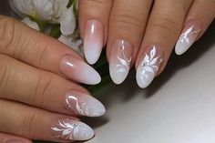 Want some ideas for wedding nail polish designs? This article is a collection of our favorite nail polish designs for your special day. French Nails, French Manicure Nails, Nail Art Designs, Nail Polish Designs, White Nail Art, Floral Nail Art, Nail Art Blanc, Design Ongles Courts, Natural Wedding Nails