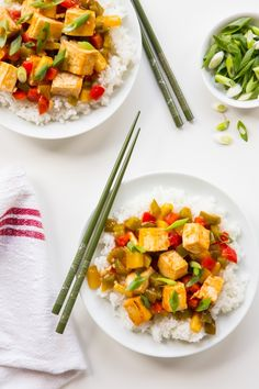 Baked sweet and sour tofu recept tofu & tempeh - тофу, кетчу Healthy Meals For Two, Healthy Foods To Eat, Healthy Dinner Recipes, Healthy Snacks, Healthy Eating, Tofu Recipes, Vegetarian Recipes, Sweet And Sour Tofu Recipe, Sin Gluten