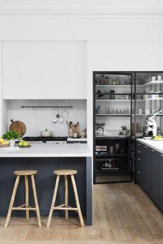 15 stili di design per la cucina da ispirare, Cosy Kitchen, New Kitchen, Kitchen Dining, Kitchen Pantry, Design Your Kitchen, Kitchen On A Budget, Home Kitchens, Kitchen Remodel, Decoration