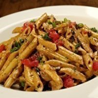 Firebird Pasta - (chili asiago cream sauce, penne pasta, chicken, apple wood-smoked bacon, green onions and tomato) - me starting to eat healthy.so giving this pasta a try:) Ranch Pasta, I Love Food, Good Food, Yummy Food, Great Recipes, Dinner Recipes, Favorite Recipes, Restaurant Recipes, Le Diner