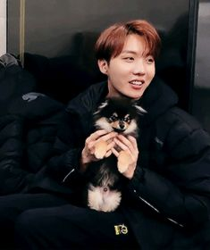 Taehyung's puppy is SO cute. Like I think he's my bias now... Sorry, Taehyung, I guess you shouldn't have got him. X'D