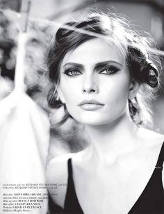 romanian model Silviu Tolu, Diana Moldovan, Irina Lazareanu, Catrinel Menghia, Model Rock, World Of Fashion, Rocks, Models, Face