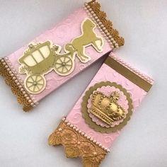 Goiânia/GO- Barra de Chocolate batom personalizada com tema: Princesa |By: @mimosseluxos  #dentrodafesta #goiania