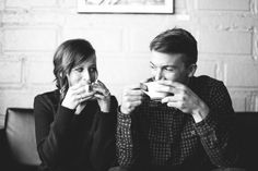 Let's sip coffee while looking at each other, and see who laughs first.