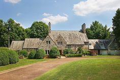 Historic English-Style Manor | Cool Houses Daily