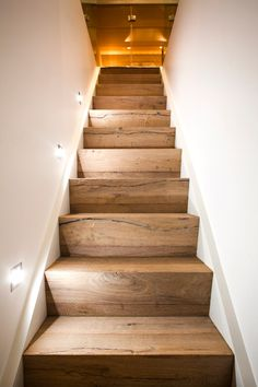 Vorher-Nachher: Dachbodenausbau Loft conversion – useless space becomes a modern spa area! Farmhouse Remodel, Farmhouse Renovation, Attic Stairs, Stairways, Modern Farmhouse, Modern Design, Sweet Home, Attic Ideas, Loft Ideas