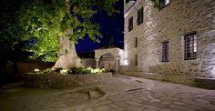 πηλιο μακρυνιτσα - Google Search Greece, Boutique Hotels, Mansions, Luxury, House Styles, Buildings, Puzzle, Windows, Doors