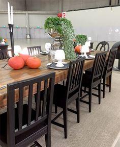 JUVIn mustat pinnatuolit ja lankkupöytä Habitare 2016 -messuilla. JUVI's black stols ja planktop table Habitare2016 furniture fair. Katso lisää kuvia messuilta: juvi.fi/messut.html